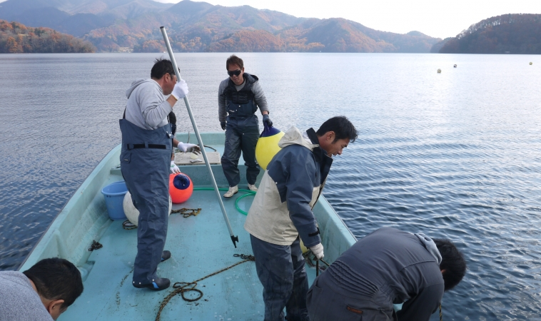禁漁区ブイ撤収